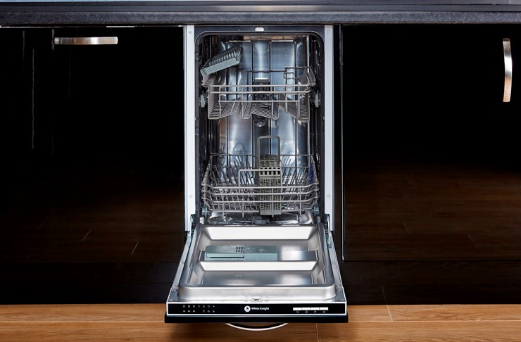 White Knight DW1045IA slimline integrated dishwasher