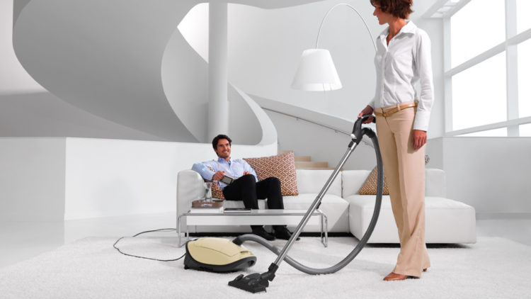 A cylinder corded vacuum cleaner