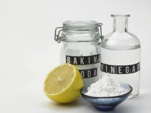 removing limescale with vinegar and lemons